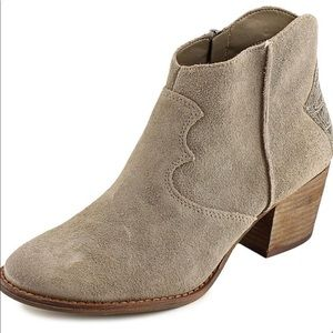 MARC FISHER Stefani Western Ankle Boots 6